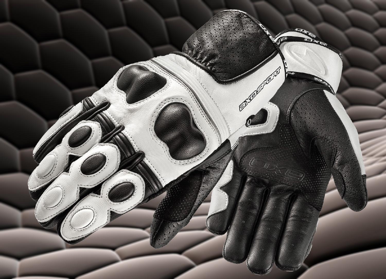 Unos guantes y unas botas, lo último en equipamiento Axo