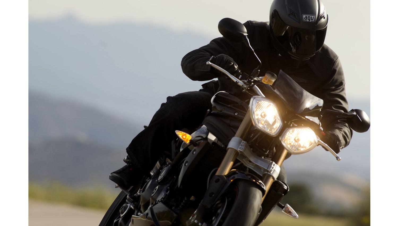 Las gamas Adventure y Roadster de Triumph, más equipadas este verano