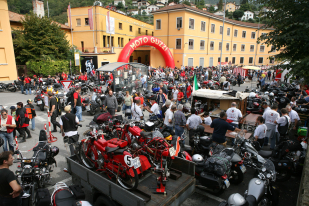 II Jornadas de puertas abiertas Moto Guzzi