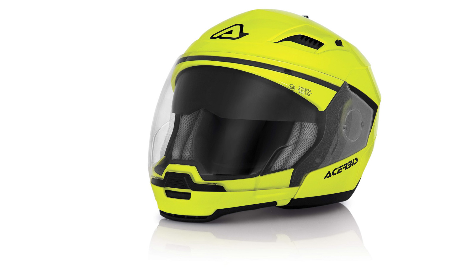 Acerbis lanza el casco Stratos y el traje Adventure