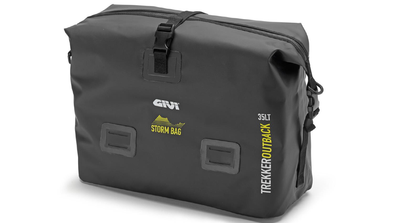 Las maletas de aluminio Trekker Outback de Givi ganan en versatilidad con las nuevas bolsas Storm