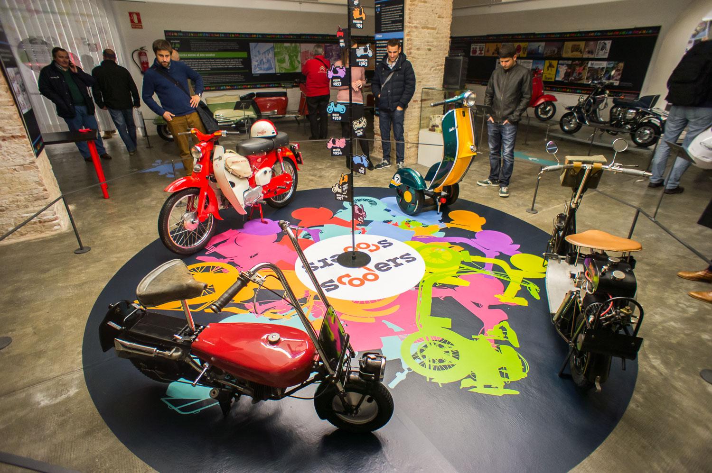 El Museo Moto Barcelona se abre a los scooters