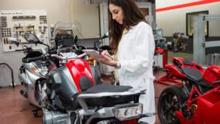 EPS colabora con en el primer curso universitario de peritación de motocicletas de la Cátedra CESVIMAP