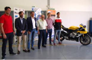 Curso de mecánico de motos para jóvenes organizado por FEMPA