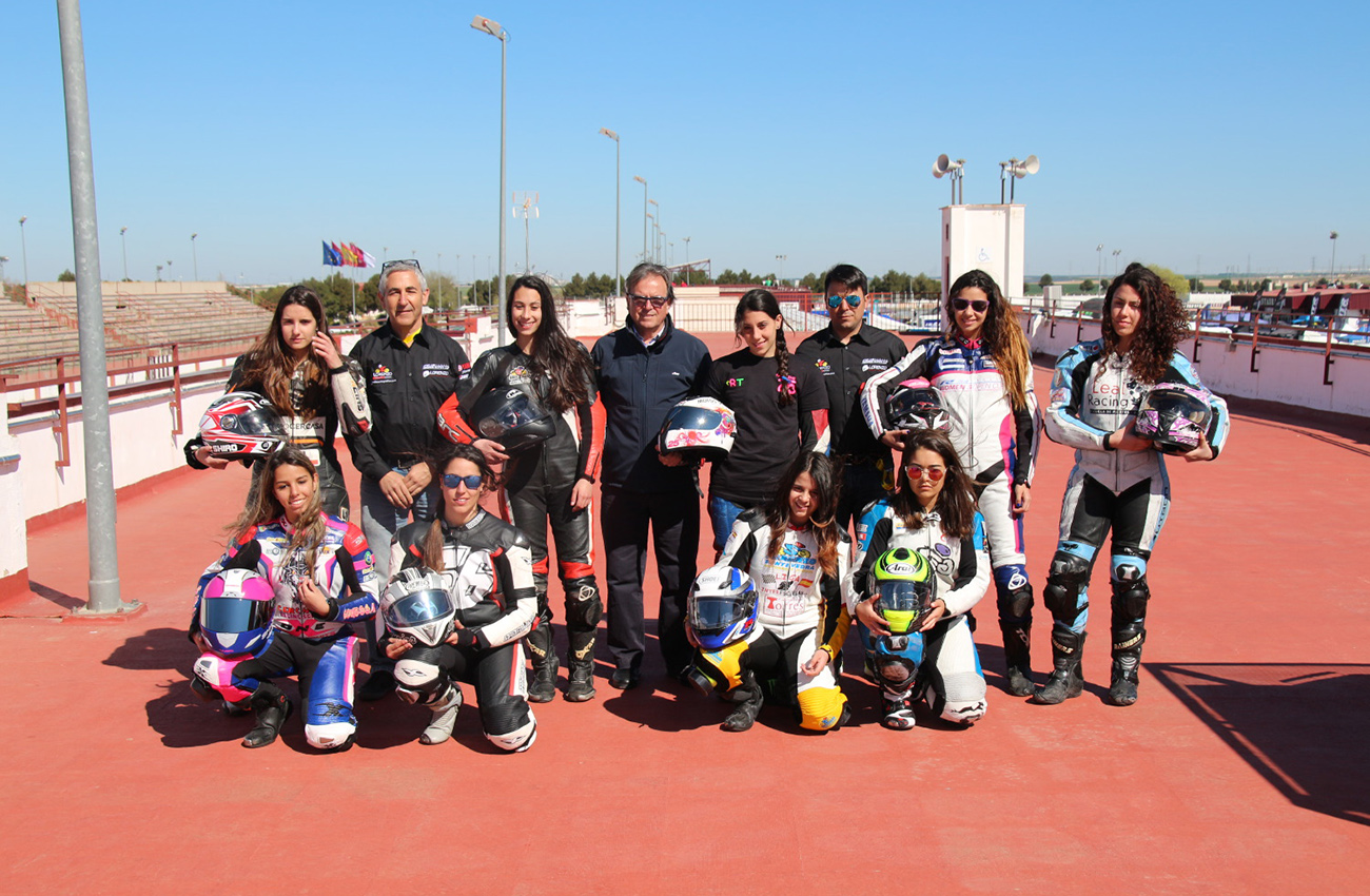 J.Juan, patrocinador de la Women's Open Cup Yamaha R3