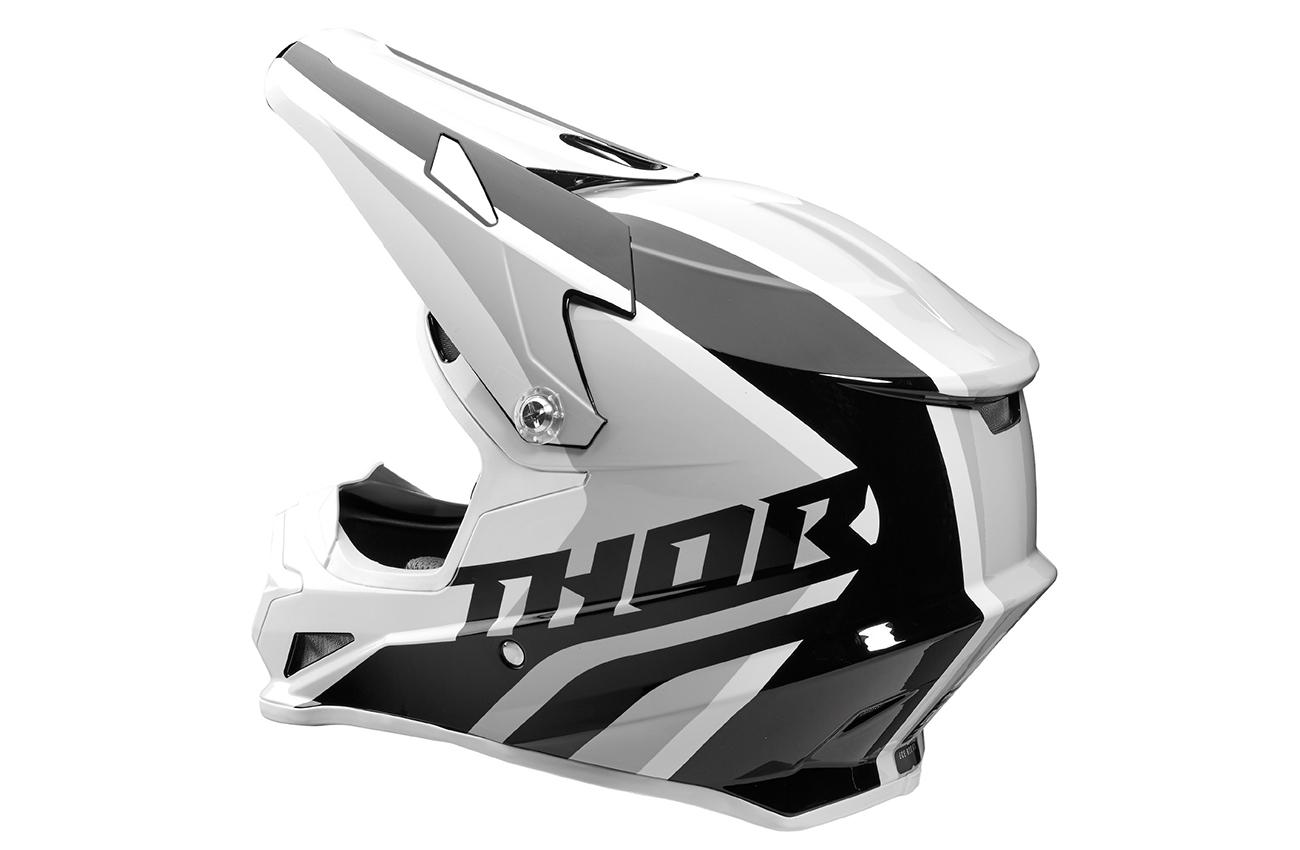 Protección, diseño espectacular y precio competitivo con el nuevo casco Sector de Thor