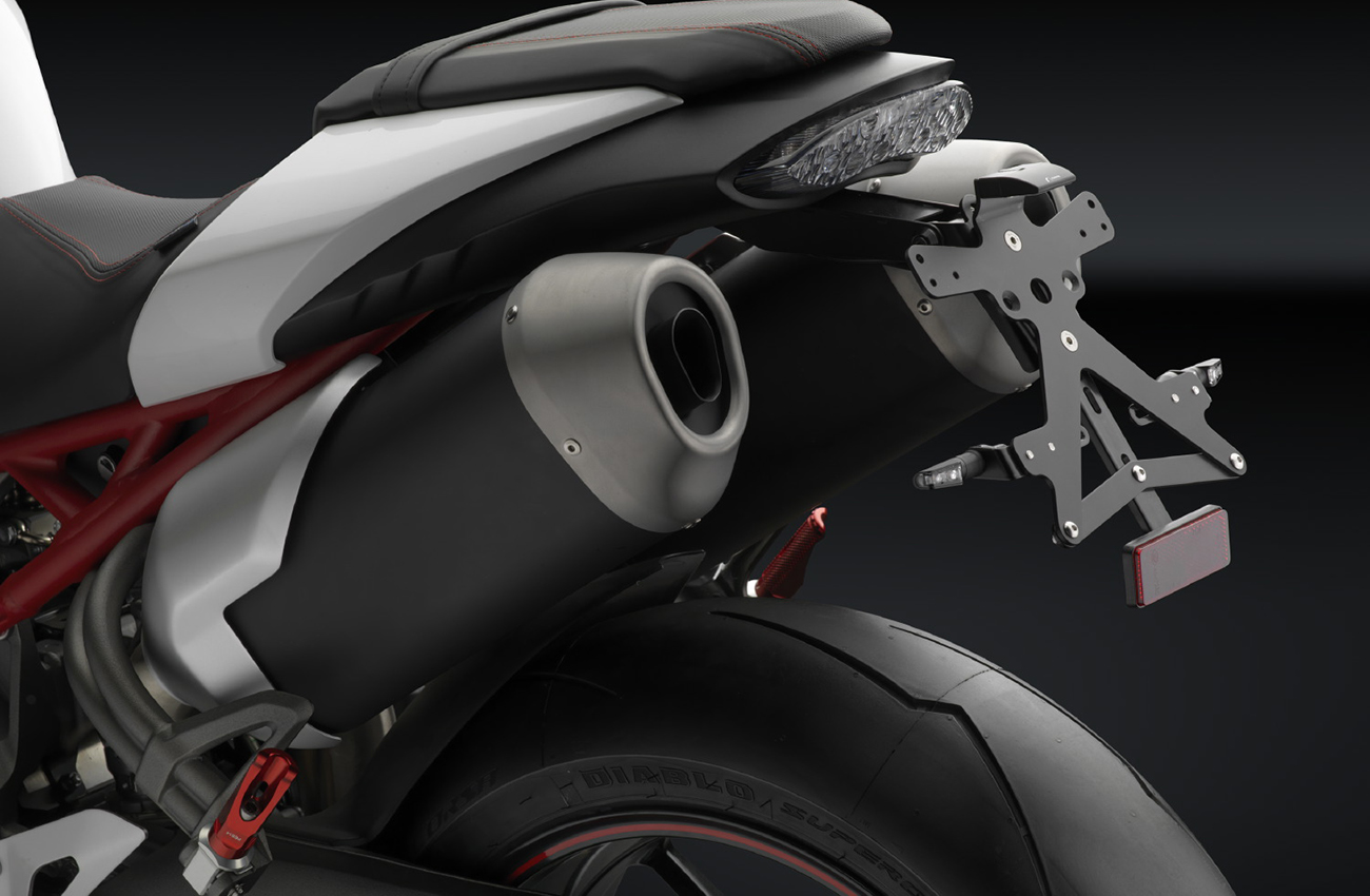Kit de accesorios Rizoma específico para la Triumph Speed Triple