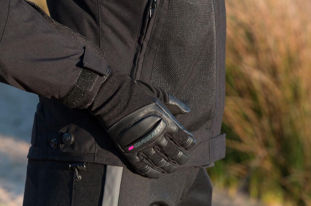 Los guantes SKIP Lady y Man, de Garibaldi, pensados para el verano