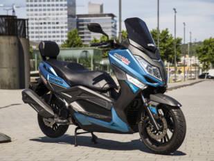 El scooter Goes G 125GT EFI se vende con casco y antirrobo de regalo