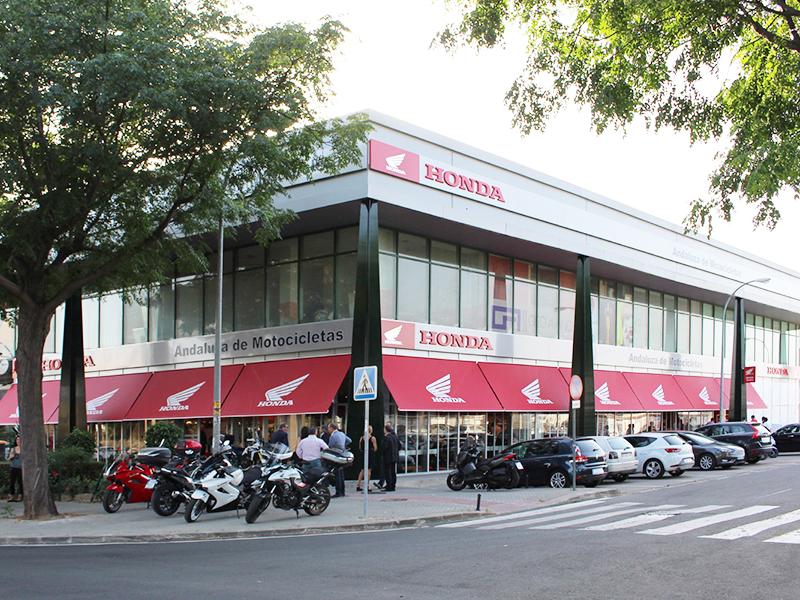 Andaluza de Motocicletas inaugura su nuevo concesionario oficial Honda en Sevilla