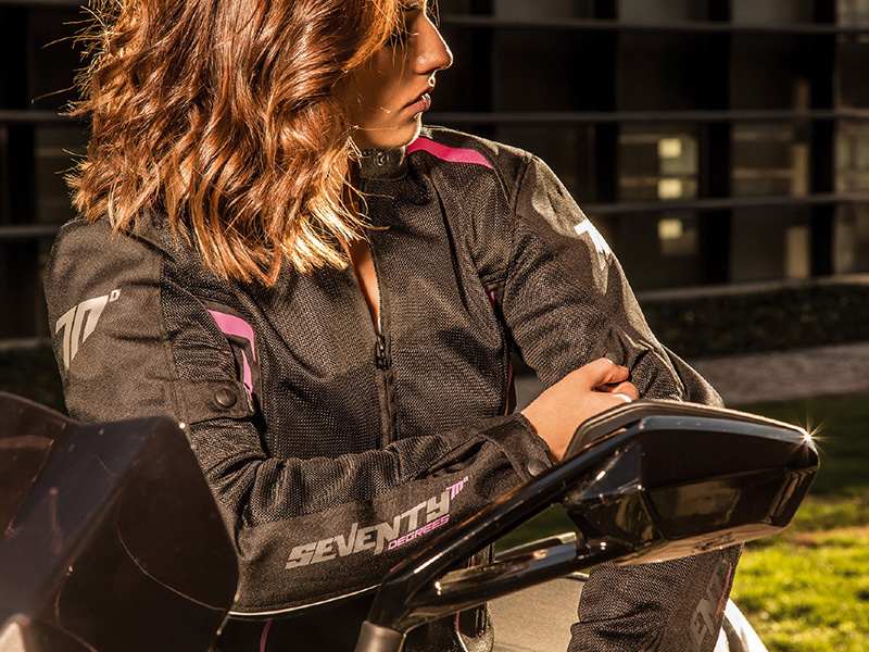 Fresco y protegido con las nuevas chaquetas sport touring SD-JT32 y SD-JT36 de Seventy Degrees para el verano