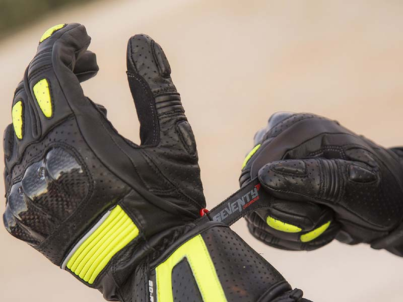 Tacto exquisito con los nuevos guantes racing de Seventy Degrees
