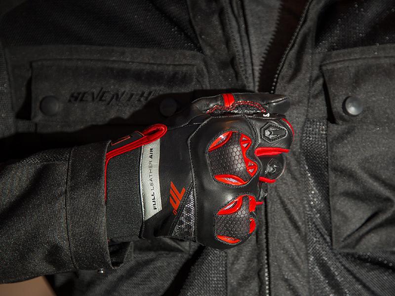 Tributo a las esencias con los guantes Naked SD-N14 y SD-N32 de Seventy Degrees