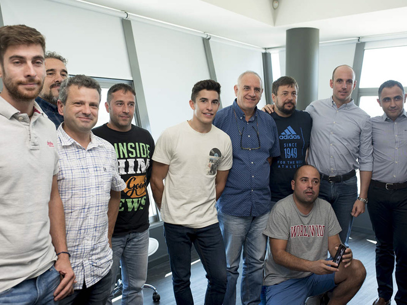 Marc Márquez visitó las instalaciones centrales de Rodi Motor Services