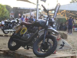Royal Enfield se acerca al público gallego participando en festival Free Riders de Miño (A Coruña)