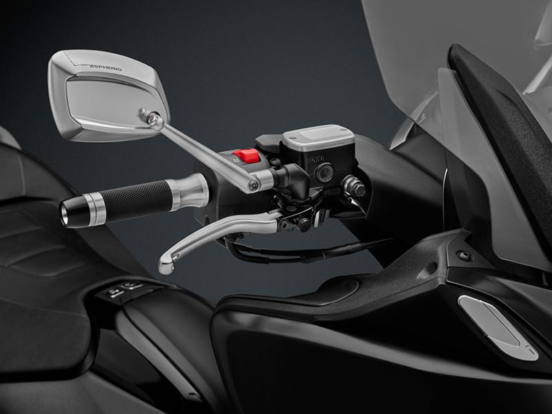 Exclusividad al cuadrado: accesorios Rizoma para el Yamaha T-Max 530