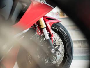 Deportividad pura con el nuevo Battlax Racing R11 de Bridgestone