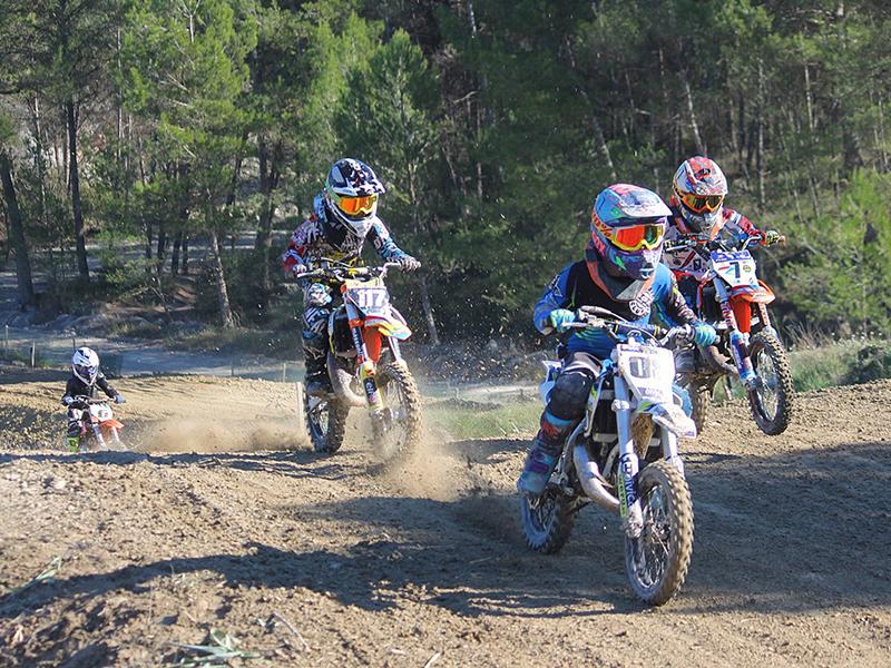 Futuros campeones de motocross se citan en el Parcmotor de Castellolí
