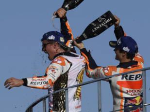 Yuasa celebra el cuarto mundial de MotoGP de Marc Márquez