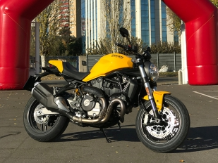 Esencia monstruosa: nueva Monster 821 de Ducati