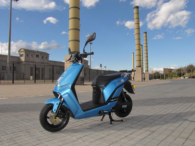 Lifan 3, una moto eléctrica y asequible que se puede cargar en casa