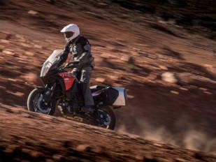 Bridgestone lanza sus nuevas gomas Battlax Sport Touring T31 y Battlax Adventure A41