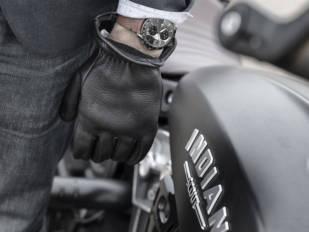 Motos Bordoy acoge la presentación de la colección de relojes Clifton Club Indian Motorcycle