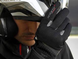 Urbanos y deportivos, la carta de presentación de los nuevos guantes Seventy Degrees