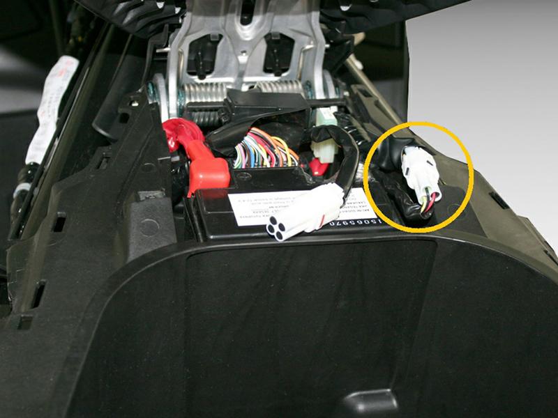 BertonBike Responde: ralentí inestable y testigo de averías del motor encendido en una Yamaha Nmax 125 y El acelerador electrónico (2ª parte)