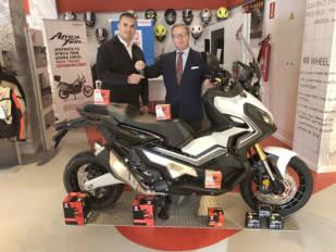 """GS Yuasa entrega las Honda de la promoción """"Gana con Yuasa"""""""