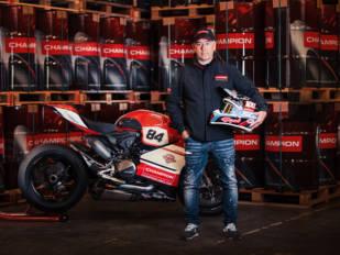 Wolf Oil lanza la nueva gama Champion de lubricantes de moto