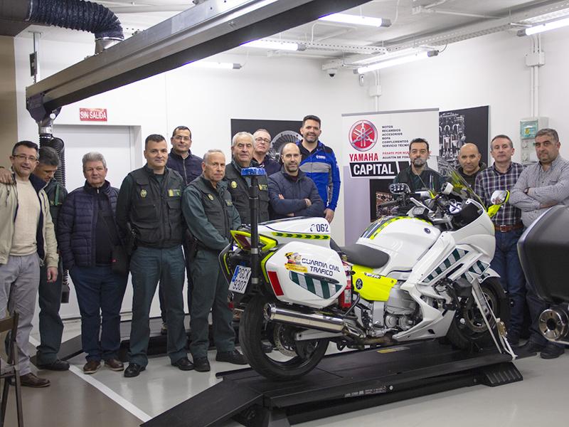 Yamaha imparte formación técnica sobre la FJR de la Agrupación de Tráfico de la Guardia Civil