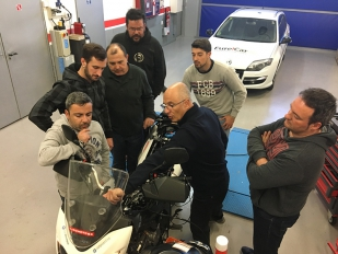 Nuevo curso de Grup Eina Digital a clientes de Euromoto85