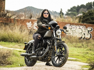 Harley-Davidson Sportster 883 Iron: La dama de hierro