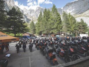 La VI Reunión KTM Adventure bate su récord de participación con 215 motocicletas