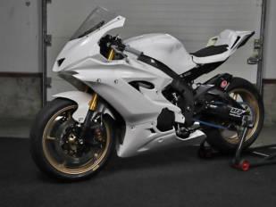 Novedades TF Superbike para transformar deportivas Yamaha y BMW