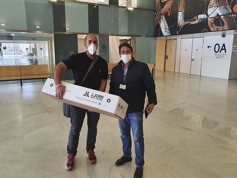 J.Juan entrega 5.000 mascarillas a hospitales del área metropolitana de Barcelona