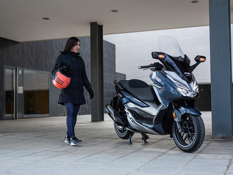 Honda Forza 300: Alas de ciudad
