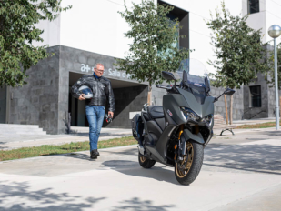 La nueva Yamaha T-Max 560 evangeliza al descreído de Manel Kaizen