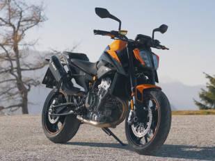 Más madera, KTM presenta la 890 Duke 2021
