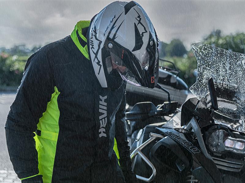 Combate la lluvia con los trajes impermeables Hevik