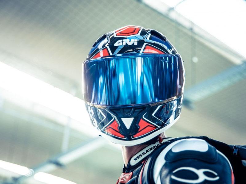 El casco más deportivo de Givi es el 50.6 Sport Deep