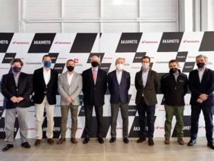 La plana mayor de Honda España visita el concesionario Akaimoto de Sant Boi de Llobregat (Barcelona)