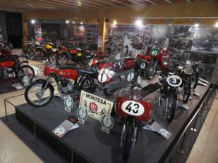 La exposición 'Montesa, 75 años de una aventura irrepetible' reabre sus puertas en el Museo de la Moto de Bassella