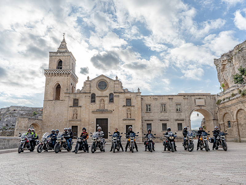 Ya te puedes apuntar a la Moto Guzzi Experience 2021